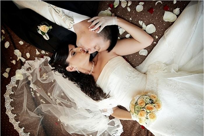 Начали за здравие, или как провести первую брачную ночь